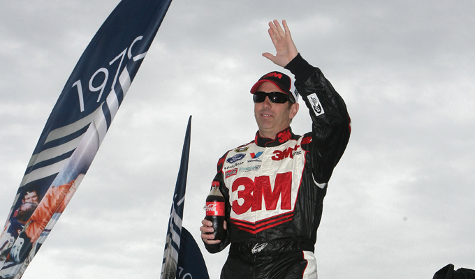 Nascar Sprint Cup – Johnson si ferma all'ultimo, ne approfitta Biffle