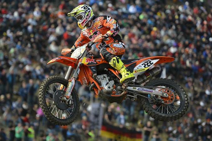 Pirelli e Cairoli chiudono alla grande il Mondiale motocross