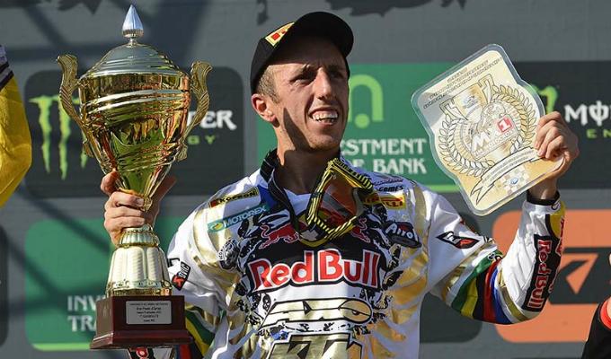 Con Tony Cairoli vince anche Pirelli