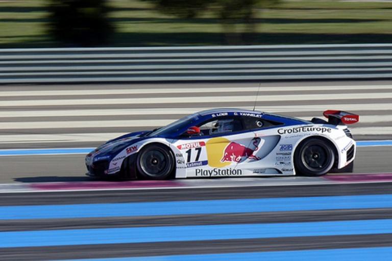 Loeb a Navarra per provare la McLaren MP4-12C