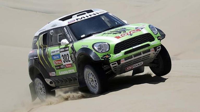 Dakar 2013 – Peterhansel prende il comando tra le auto