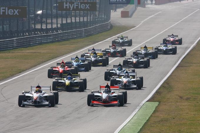 Auto GP – 21 vetture iscritte alla stagione 2013