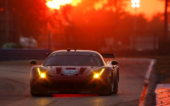Una Ferrari 458 Italia sul podio di Sebring