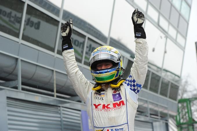Auto GP – Kimiya Sato batte la pioggia e vince Gara 2