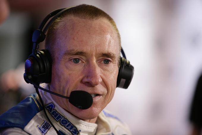 Nascar Sprint Cup – Mark Martin sostituisce Hamlin