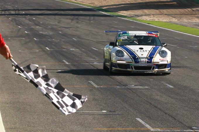 Targa Tricolore Porsche – A Vallelunga sorridono Proietti e Passuti