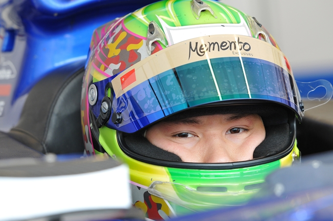 GP3 – La Status Grand Prix ingaggia Adderly Fong