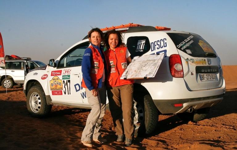 Rally Aicha Des Gazelles a quattro ragazze Renault
