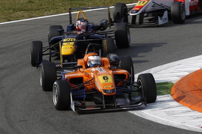 F3 – A Silverstone dominano Tincknell e Rosenqvist