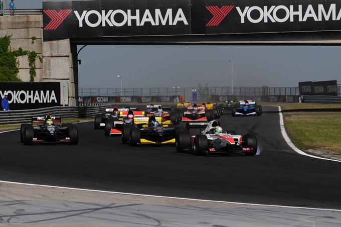 Auto GP – I motori si scaldano a Silverstone