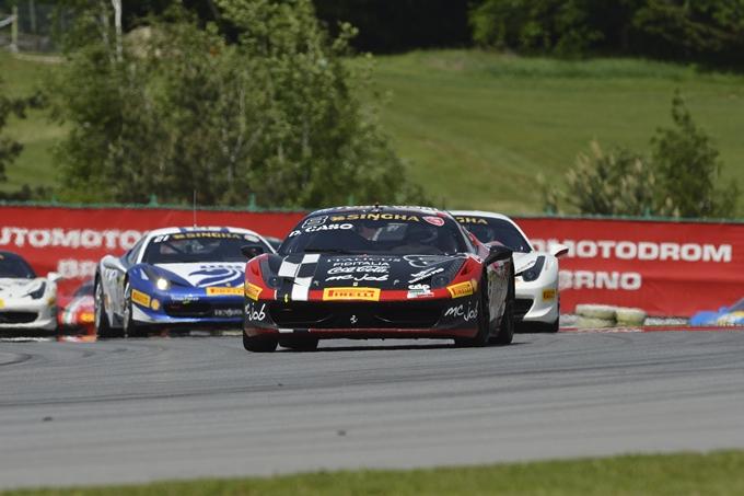 Ferrari Challenge Europa – Caso e Adamski trionfano a Brno