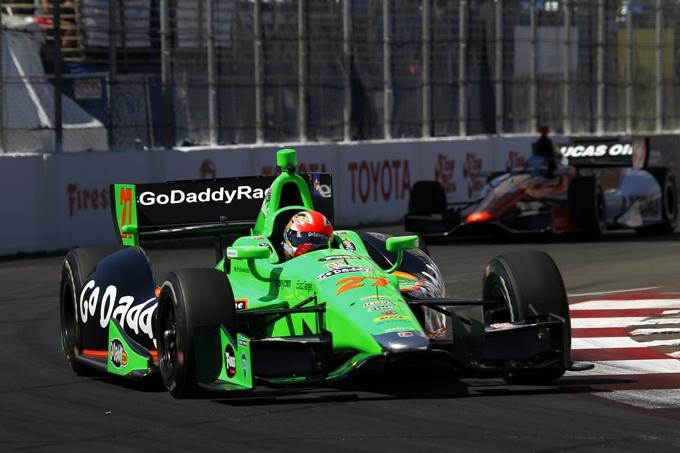 Indycar – Hinchcliffe vincente nel duello con Sato