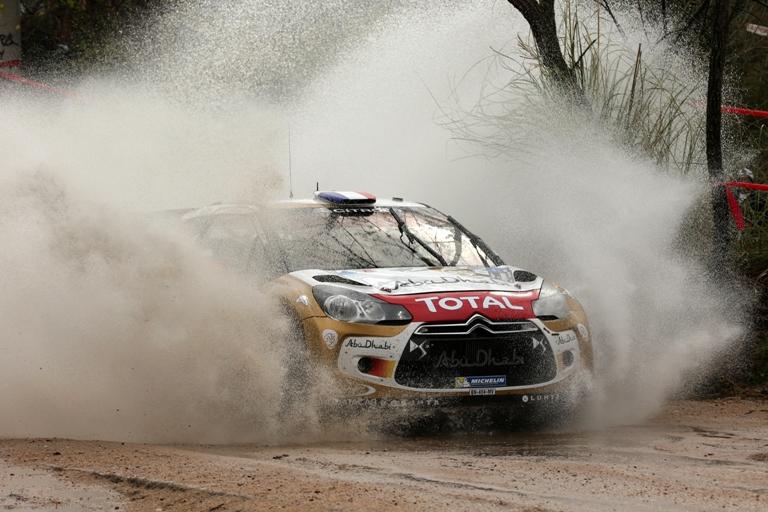 WRC – Oltre un minuto di vantaggio per Loeb