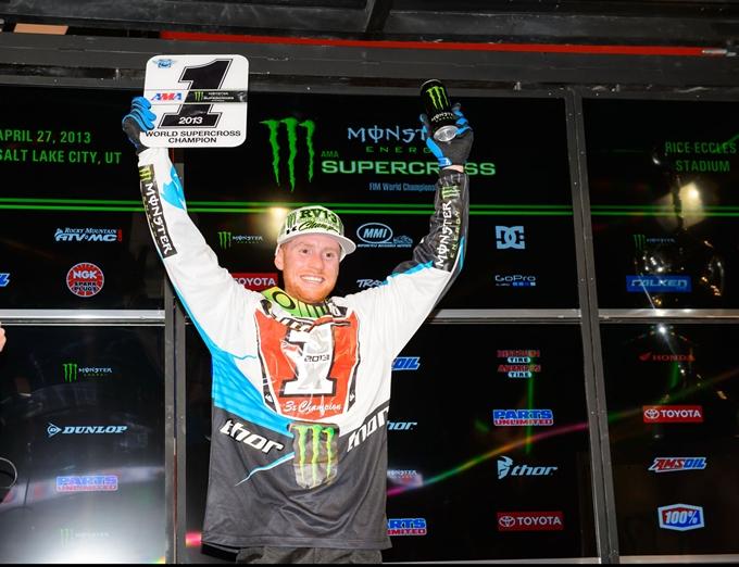 Dunlop e Villopoto festeggiano nell'AMA Supercross