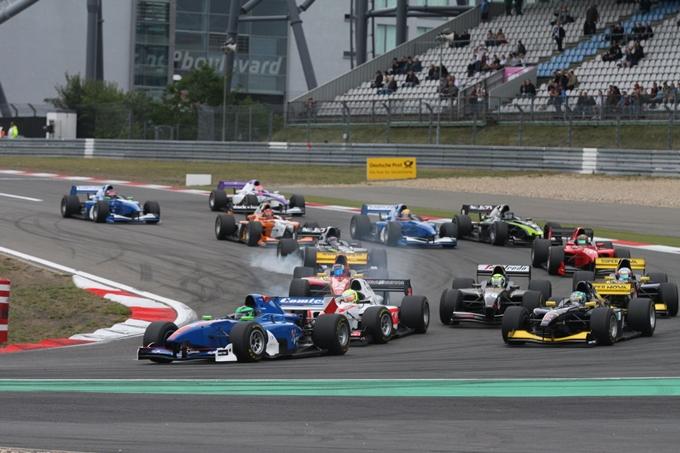 Auto GP – Test collettivi in vista dell'appuntamento di Donington