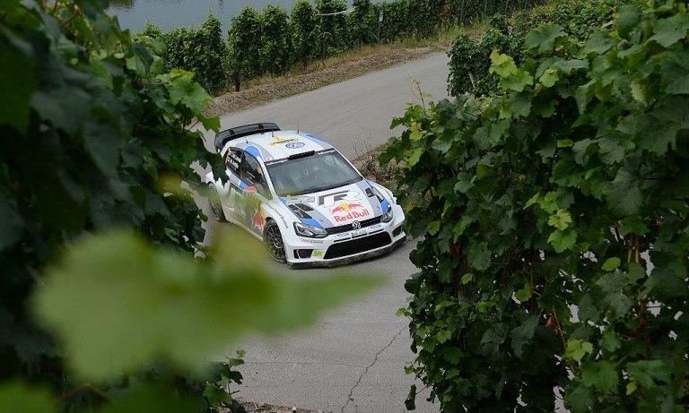WRC – Latvala sempre davanti tra i vigneti tedeschi
