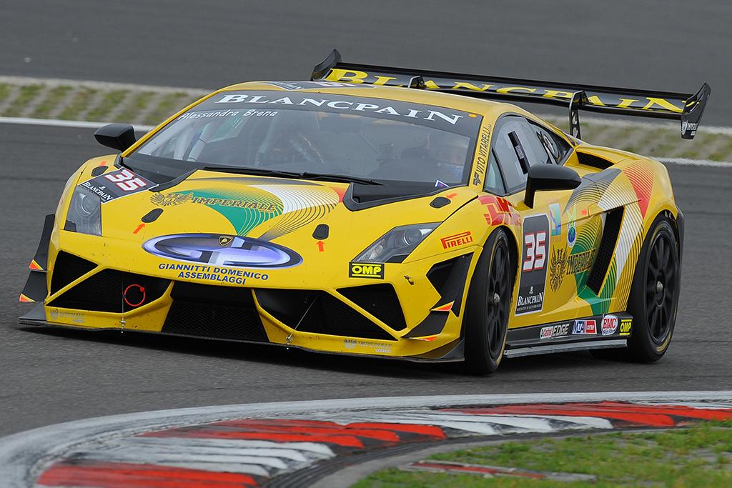 Primi punti nel Super Trofeo Lamborghini per Alessandra Brena al Nurburgring