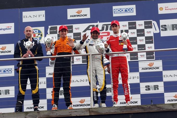 Auto GP – Karthikeyan mette la firma su Gara 2