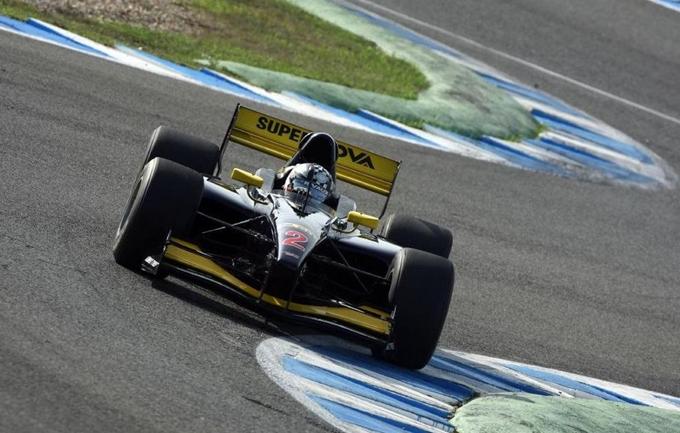 Test Auto GP – Meindert Van Buuren il più veloce nella 1° giornata