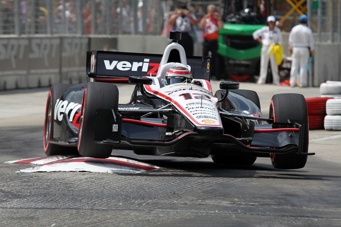 Indycar – Power vince Gara 2, Dixon leader, paura per Franchitti