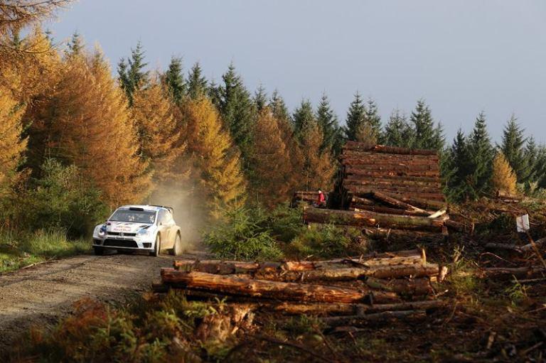 WRC – Ogier ancora in testa dopo sei speciali