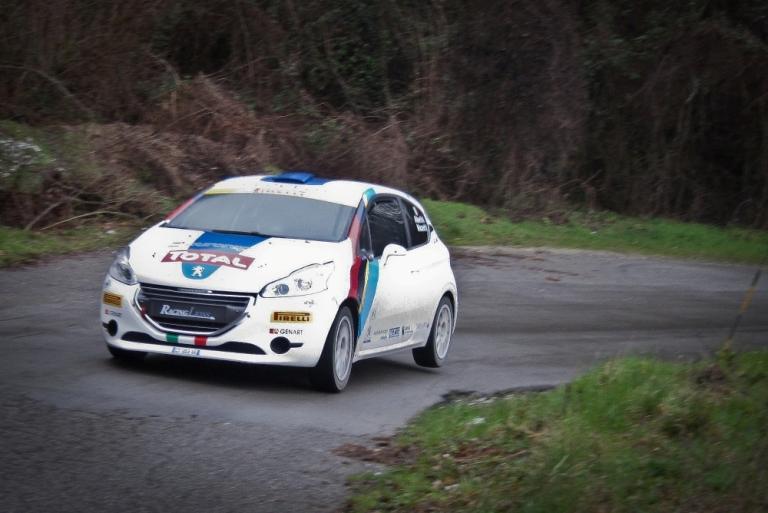 CIR – La 208 T16 al via del Rally del Ciocco con Pirelli