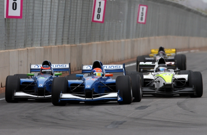Le Castellet ospita il secondo round della stagione Auto GP 2014