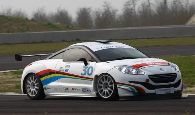 Debutto della Peugeot RCZ-R Cup nel Campionato Italiano Turismo Endurance