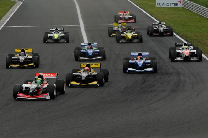 Tutti a Monza alla caccia di Sato per il quarto round della stagione Auto GP 2014