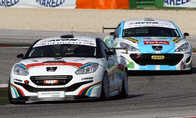 Peugeot RCZ-R e RCZ-Cup si difendono nella seconda gara del CITE a Misano