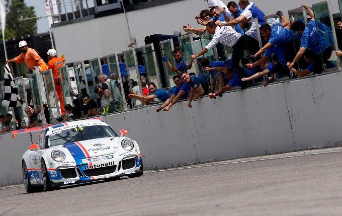 Carrera Cup Italia 2014: il rookie Cairoli sbanca Misano in Gara 2 con De Giacomi e Berton che conquistano il podio