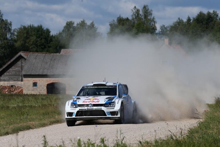 WRC – Prosegue il duello Ogier-Mikkelsen