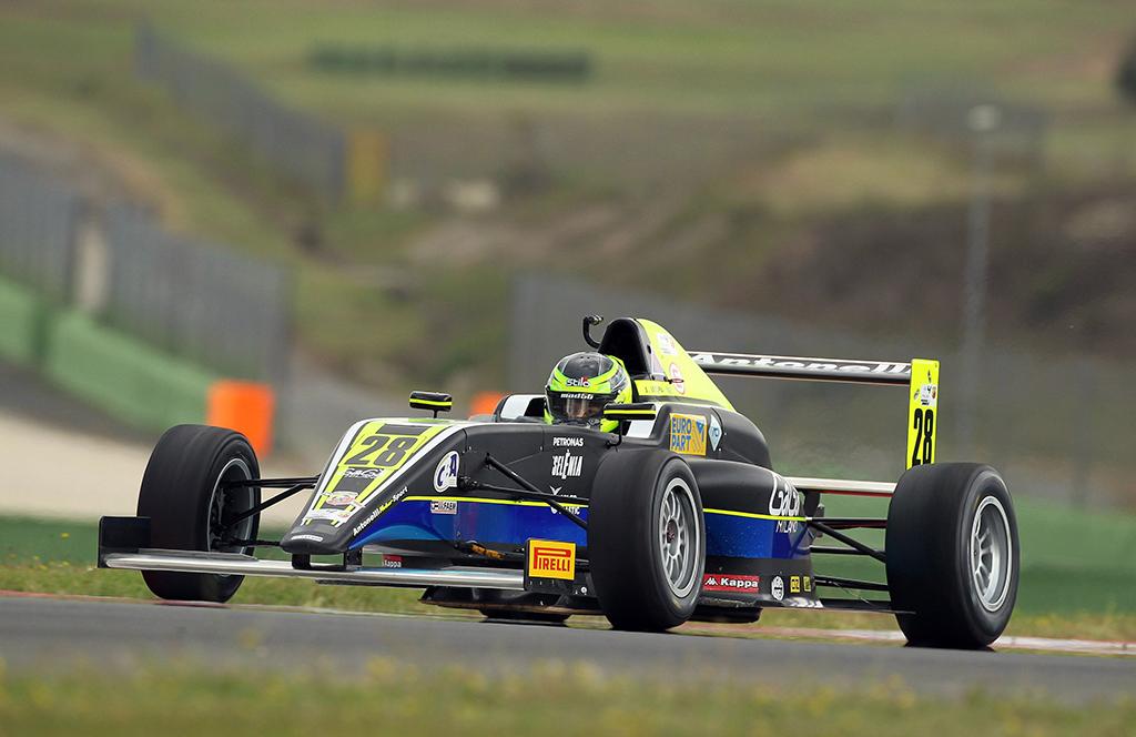 F.4 – A Vallelunga ancora punti per Joao Vieira