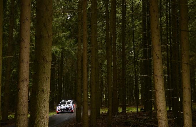 """WRC – Neuville: """"Importante tenere i piedi per terra"""""""