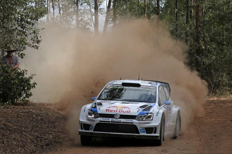 WRC – Ogier balza in testa in Australia