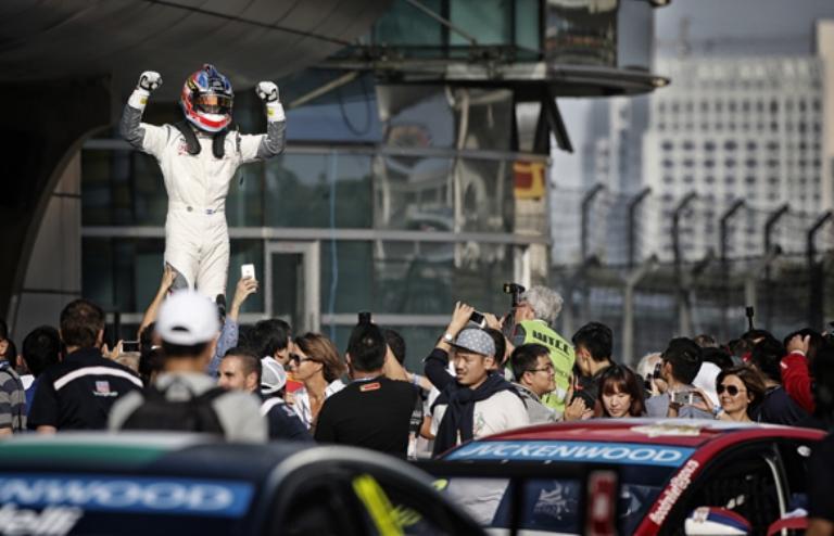 WTCC – A Shanghai vincono Lopez e Bennani