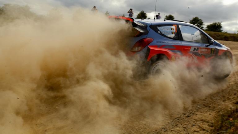WRC – In Spagna Neuville davanti nello shakedown