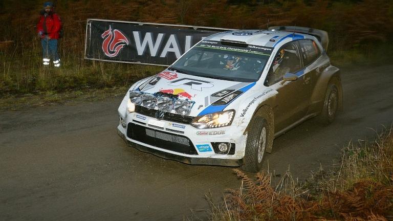 WRC – Ogier passa al comando in Gran Bretagna