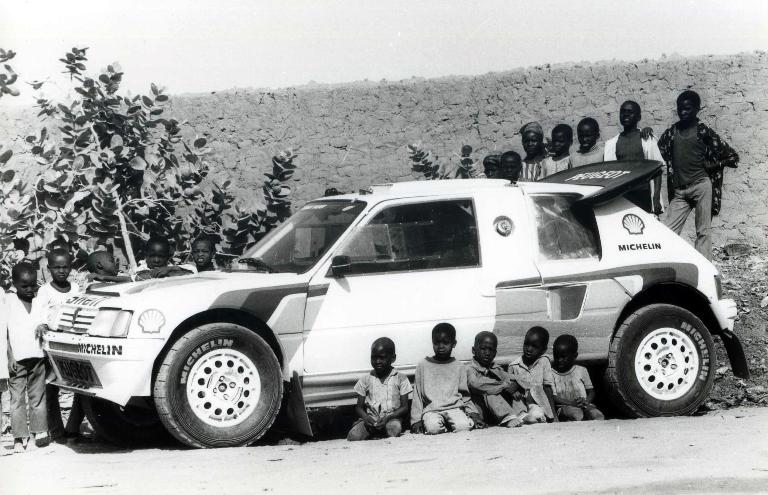 Peugeot e la Dakar, una lunga avventura
