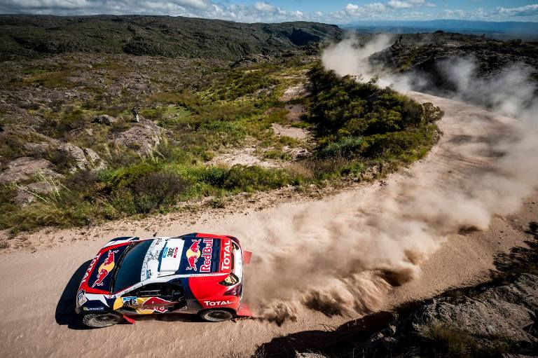 Speciale Dakar 2015: Peterhansel al traguardo malgrado le difficoltà