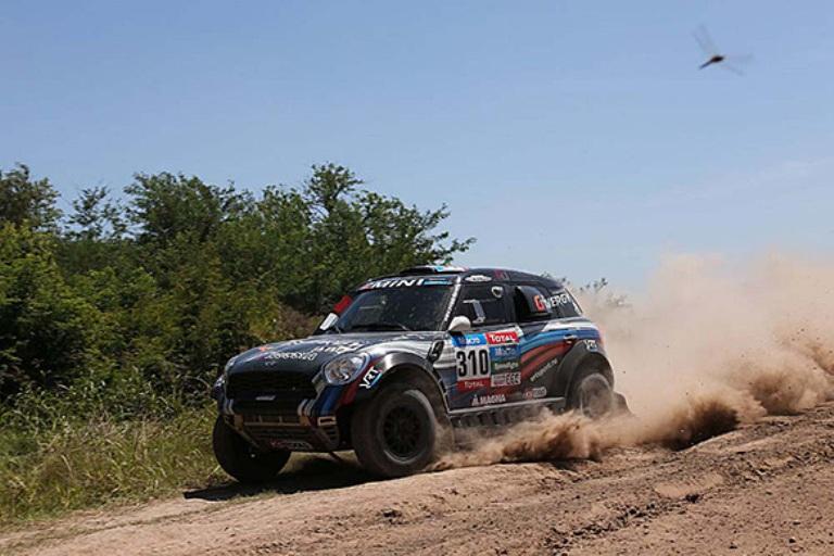 Dakar 2015 – Quinta tappa al russo Vasilyev tra le auto