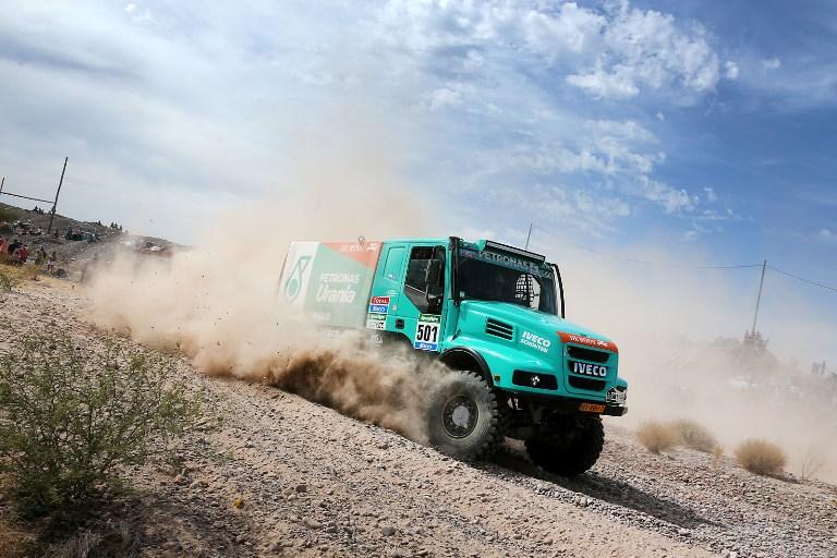 Dakar 2015 – Camion: Un buon inizio per Gerard de Rooy