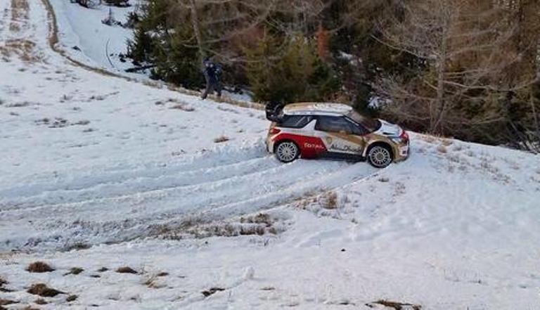 WRC – Uscita di strada per Loeb durante i test pre-Montecarlo