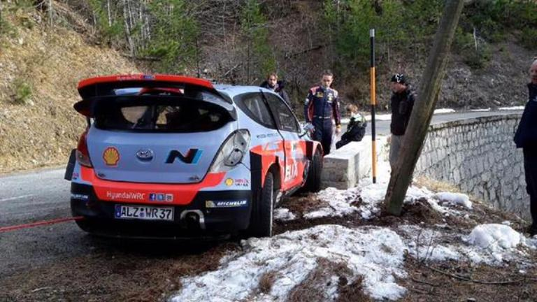 WRC – Piccolo incidente per Neuville durante i test