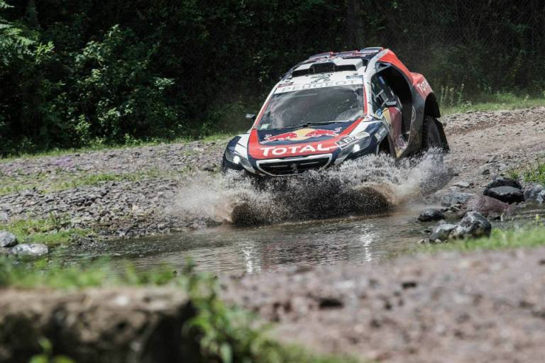 Speciale Dakar 2015: Peterhansel settimo nella tappa con arrivo a Termas de Rio Hondo