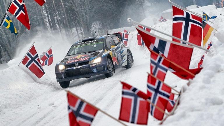WRC – Mikkelsen passa al comando