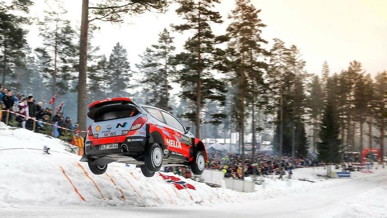 WRC – Neuville passa davanti in Svezia