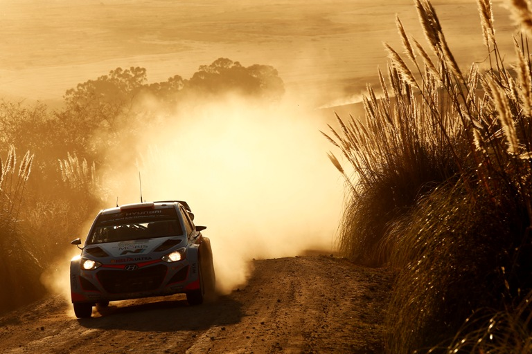 """WRC – Sordo: """"Gara difficile. Bene essere entrato nei punti"""""""