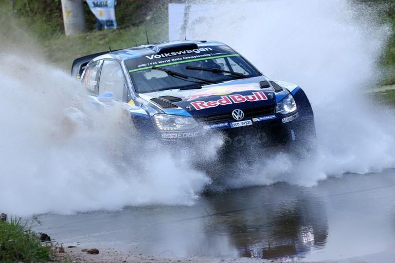 WRC – Ogier primo anche dopo la super speciale