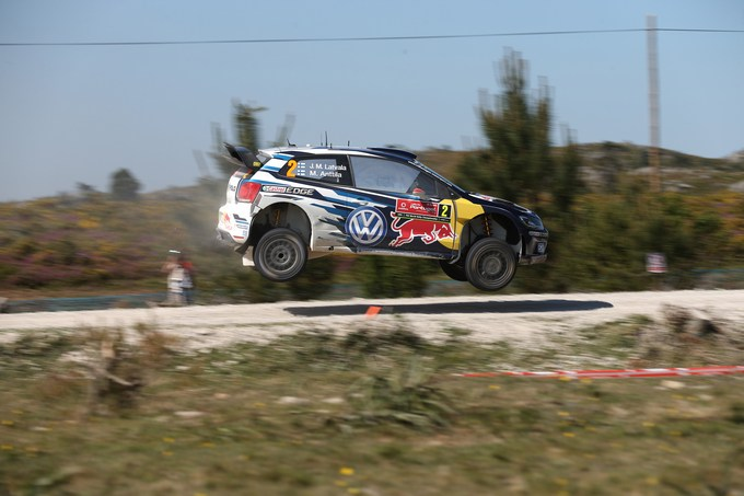 WRC – Latvala si mantiene leader, ma Ogier si avvicina